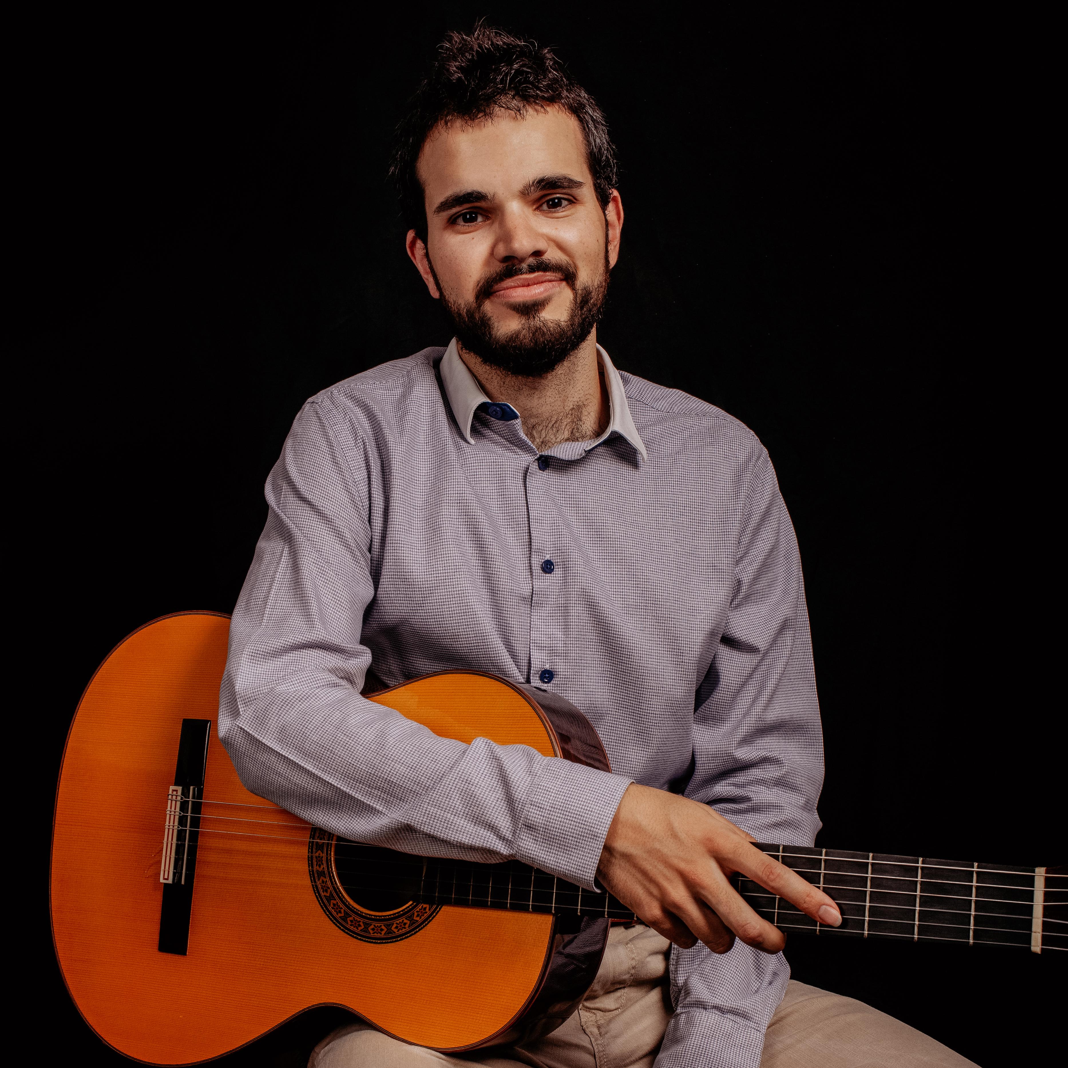 Fernando Alonso Garrido - Guitarra